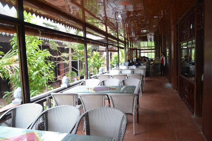 Nhà hàng Bến Tràng An
