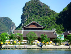 Tour Bái Đính - Tràng An - Đền Trần