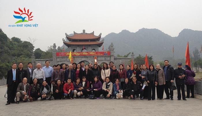 Đoàn khách hưu trí bộ công an Quận Đống Đa, Hà Nội 2