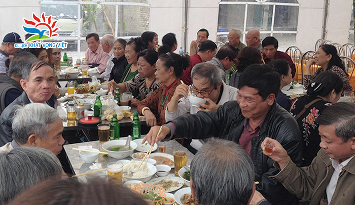 Đoàn khách hưu trí bộ công an Quận Đống Đa, Hà Nội 4