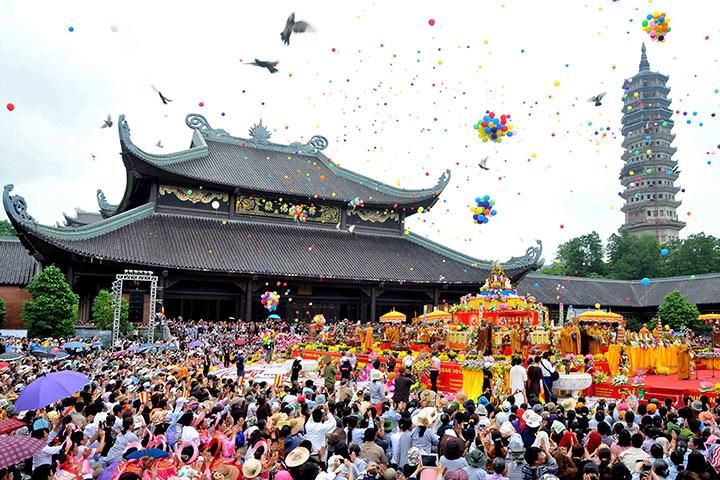 Nhiều lễ hội đặc sắc tại chùa Bái Đính