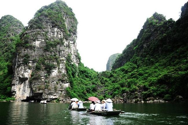 Núi đá vôi ở Tràng An
