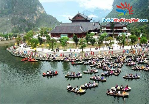 Khu du lịch Tràng An với phong cảnh hữu tình-non xanh nước biếc