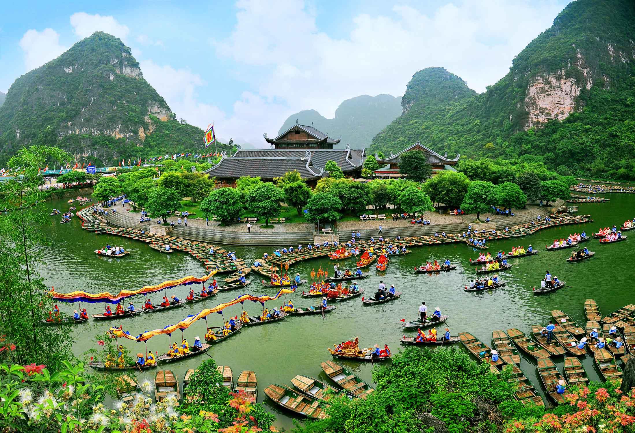Kinh nghiệm du lịch Bái Đính Tràng An Ninh Bình cho người mới nè.